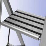 Wenko 601012100 Escabeau de Luxe Pliable + 3 Marches Dimensions 44 x 122 x 64,5 cm de la marque Wenko image 2 produit